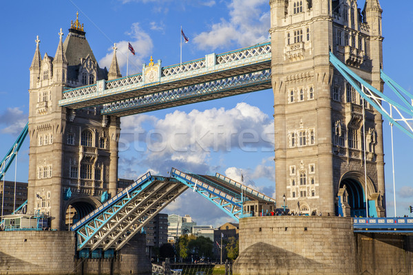 Abrir Tower Bridge tiro Londres ponte Foto stock © chrisdorney