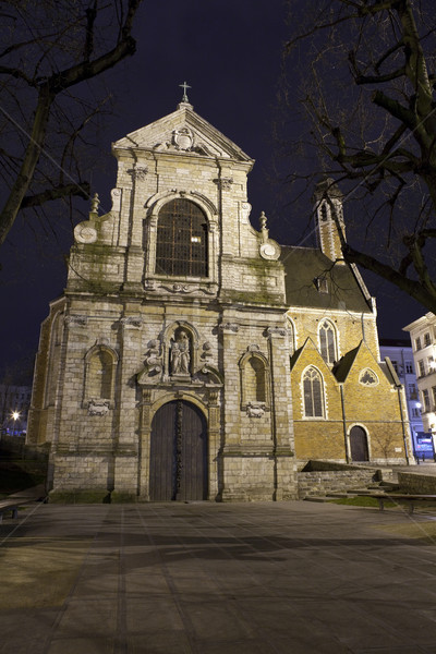 La Bruxelas igreja um igrejas cidade Foto stock © chrisdorney