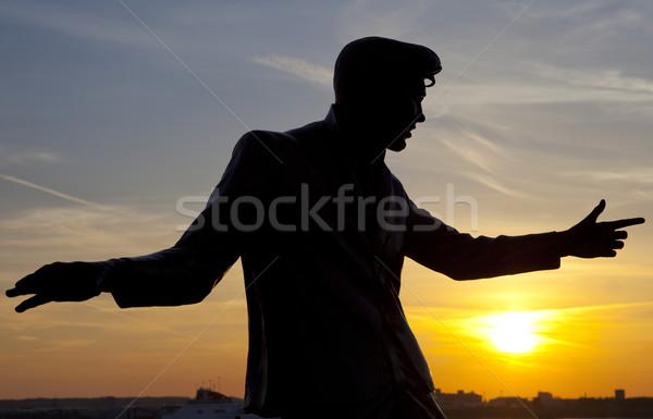 Düh szobor dokk Liverpool sziluett dedikált Stock fotó © chrisdorney