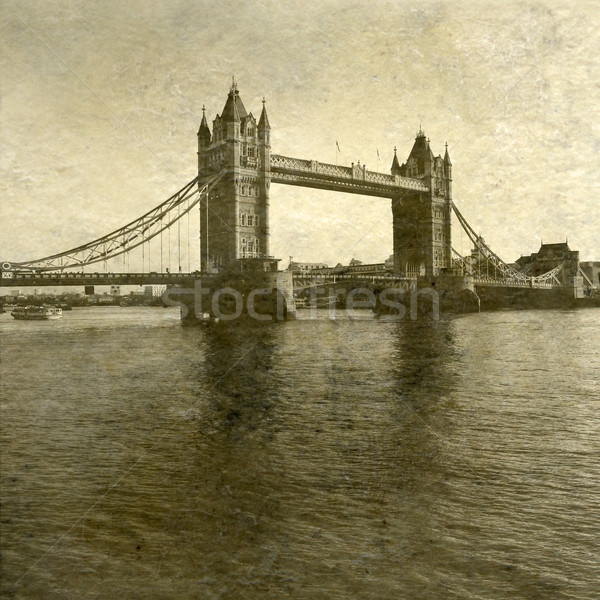 Tower Bridge rio pôr do sol vintage quadro Foto stock © chrisdorney