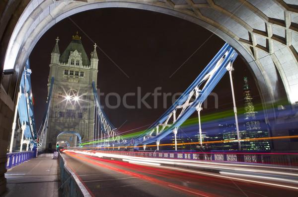 Tower Bridge noche carretera luz puente autobús Foto stock © chrisdorney