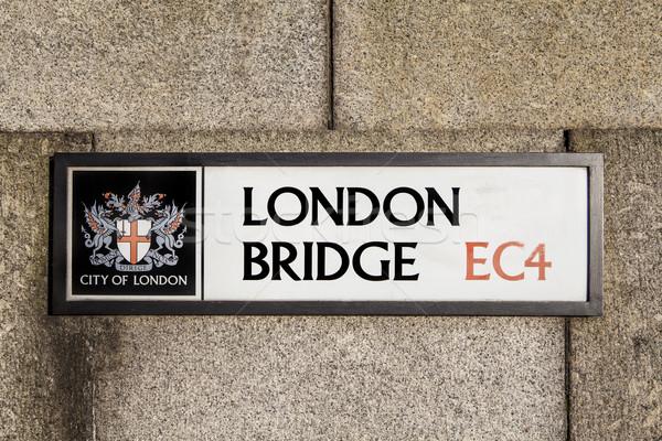 London bridge panneau routier Londres ville signe touristiques Photo stock © chrisdorney