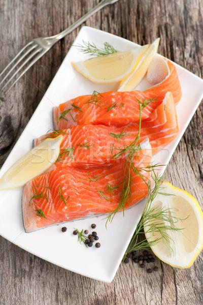 Crudo salmón plato peces Foto stock © ChrisJung