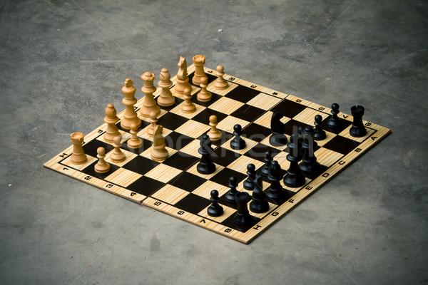 Szachownica cementu piętrze działalności szachy czarny Zdjęcia stock © chrisroll