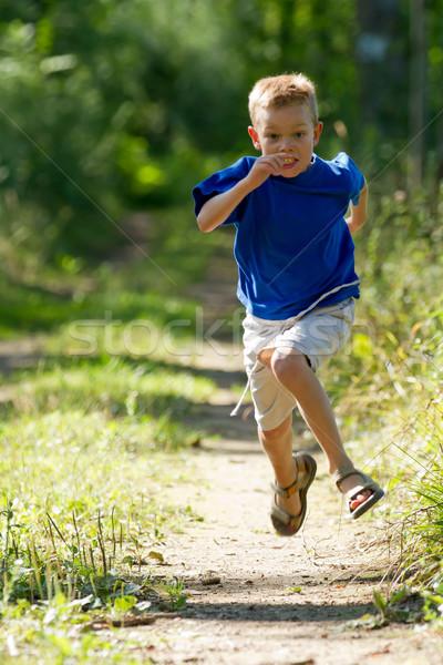 Courir nature enfant amusement Kid Photo stock © chrisroll