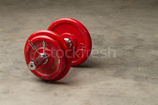 Ciment étage rouge haltères bâtiment fitness Photo stock © chrisroll