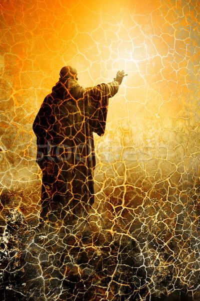 Гранж статуя монах небе солнце фон Сток-фото © chrisroll