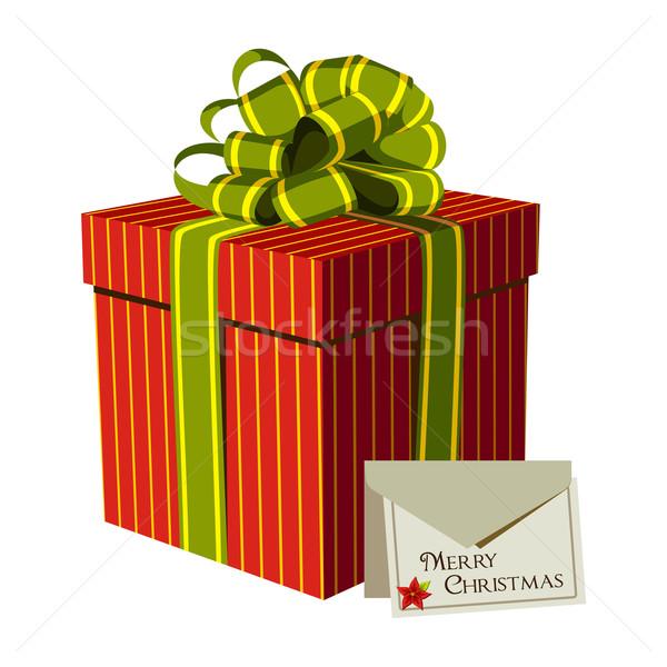 Foto stock: Vermelho · caixa · de · presente · cartão · verde · fita