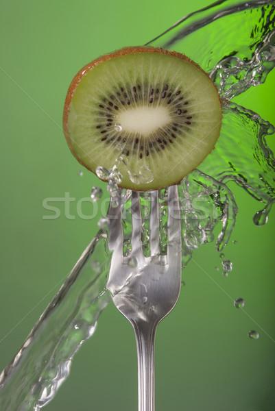 Kiwi vruchten vork water groene gezondheid Stockfoto © cienpies