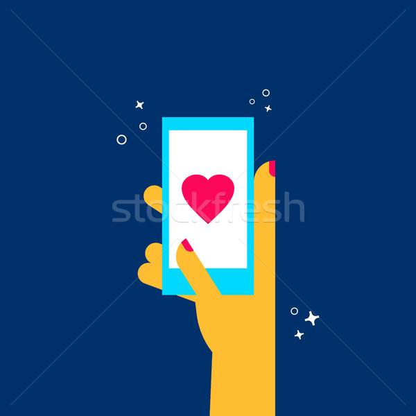 Dziewczyna online dating telefonu komórkowego app kobieta Zdjęcia stock © cienpies