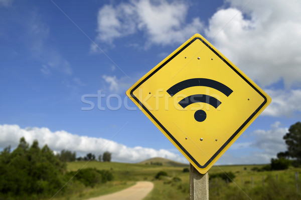Wifi accès panneau routier rural internet distant Photo stock © cienpies