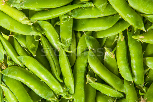 Jonge groene erwten peul abstract familie Stockfoto © Cipariss