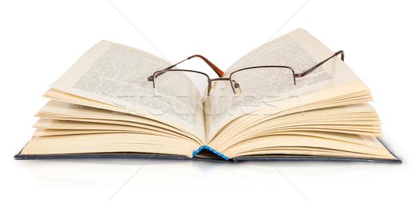 Kitap gözlük yalıtılmış beyaz arka plan Stok fotoğraf © Cipariss