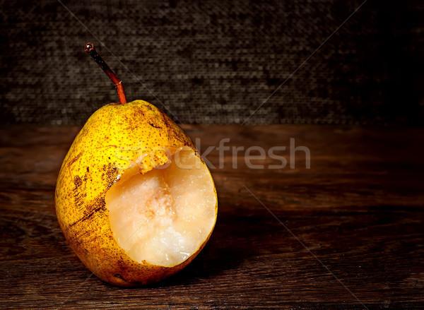 Egy körte fa asztal gyümölcs háttér asztal Stock fotó © Cipariss