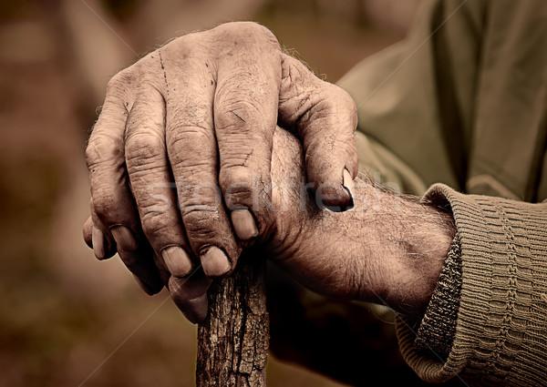Yaşlı adam el personel dramatik Stok fotoğraf © Cipariss