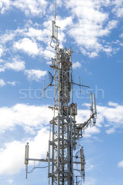 Anteny telekomunikacja wieża Błękitne niebo telewizji technologii Zdjęcia stock © cla78