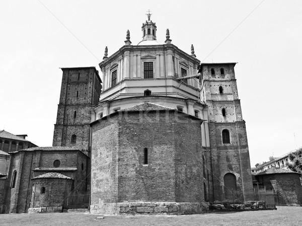 Igreja milan basílica Itália cidade catedral Foto stock © claudiodivizia