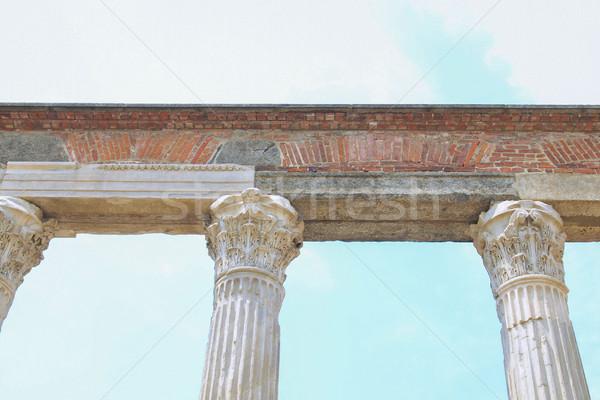 Milan sütunlar eski Roma ören İtalya Stok fotoğraf © claudiodivizia