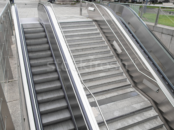 Roltrap trap ondergrondse station supermarkt stad Stockfoto © claudiodivizia