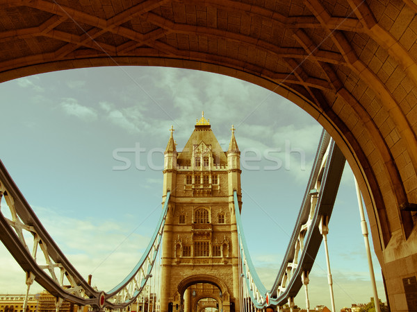 Retro olhando Tower Bridge Londres vintage veja Foto stock © claudiodivizia