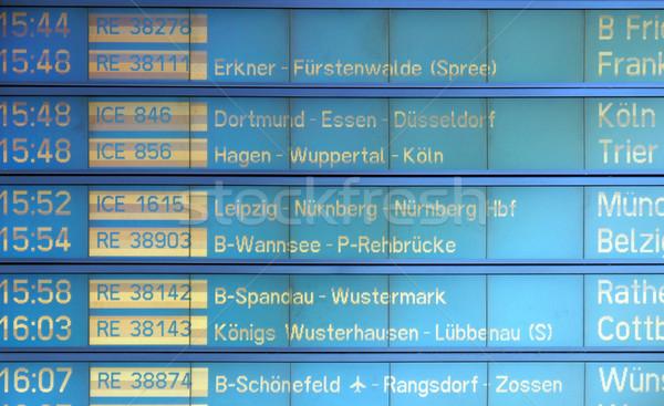 Horário pormenor trem estação tempo ônibus Foto stock © claudiodivizia