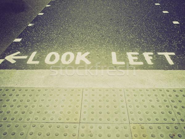 Stockfoto: Retro · kijken · teken · vintage · naar · Londen