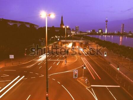 Kreuzung Nacht Auto Lichter rot weiß Stock foto © claudiodivizia