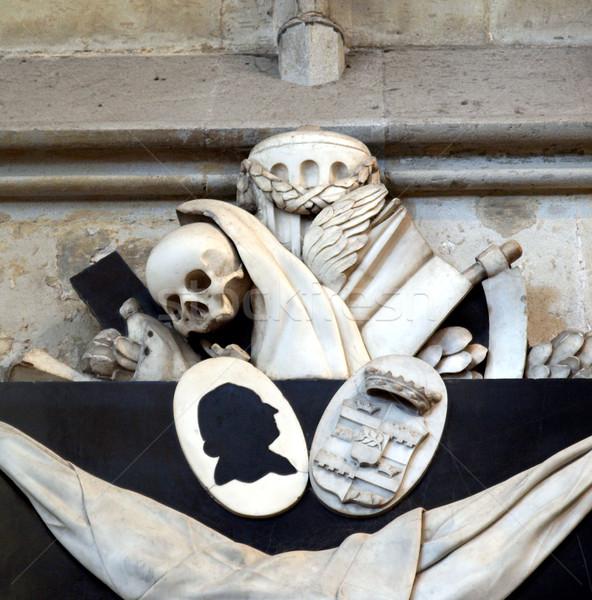 сувенир череп древних средневековых скульптуры собора Сток-фото © claudiodivizia