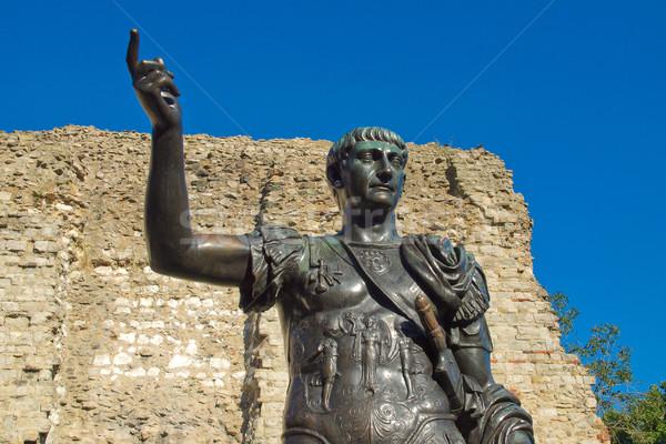 Imperador estátua antigo romano Londres retro Foto stock © claudiodivizia