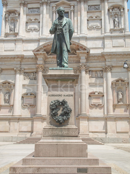Standbeeld milaan schrijver kerk Italië Europa Stockfoto © claudiodivizia
