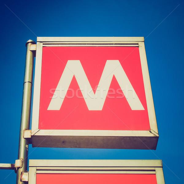 Rétro Rechercher métro signe vintage regarder Photo stock © claudiodivizia