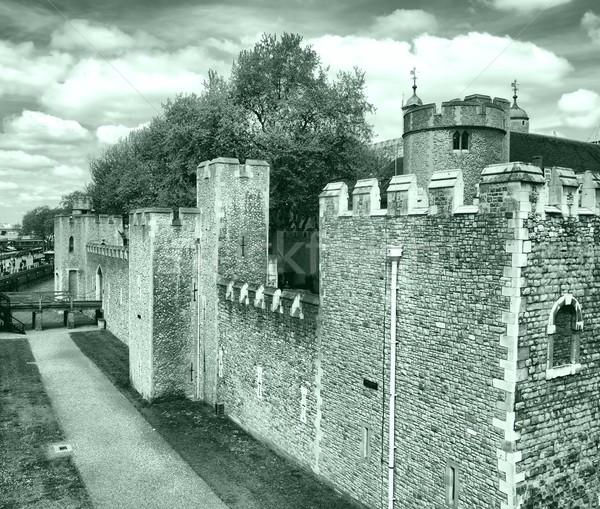 Torre Londres medieval castillo prisión alto Foto stock © claudiodivizia