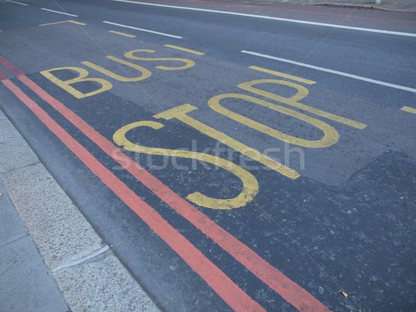 Parada de ônibus assinar estrada rua Foto stock © claudiodivizia