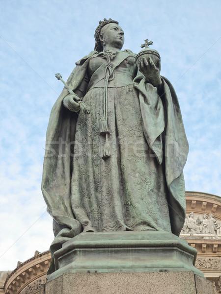 Királynő szobor Birmingham Anglia szobor Stock fotó © claudiodivizia