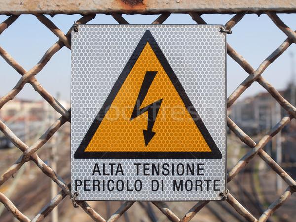 Elektromos rázkódás felirat kockázat áramütés energia Stock fotó © claudiodivizia