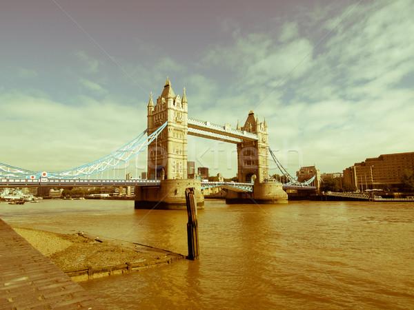 Retro olhando Tower Bridge Londres vintage veja Foto stock © claudiodivizia