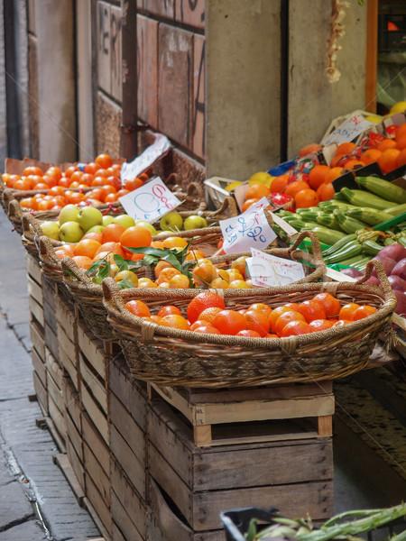 Légumes fruits magasin plateau mise au point sélective perspectives Photo stock © claudiodivizia