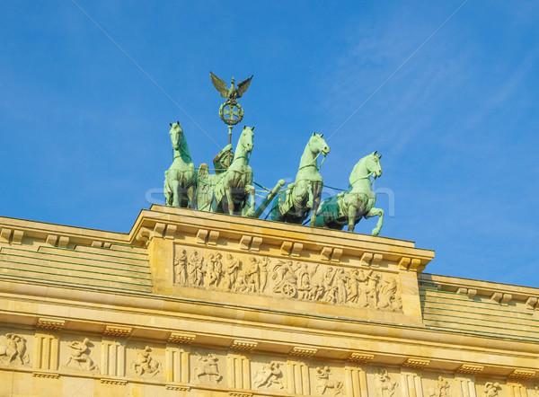 Berlim Portão de Brandemburgo famoso ponto de referência Alemanha edifício Foto stock © claudiodivizia
