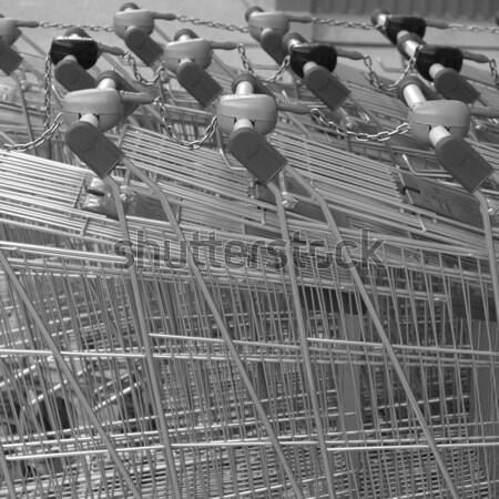 Bevásárlókocsi kosár használt magas dinamikus terjedelem Stock fotó © claudiodivizia