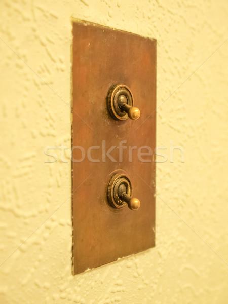 光スイッチ 詳細 表示 電気 壁 技術 ストックフォト © claudiodivizia