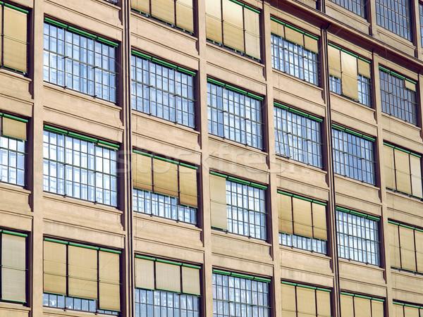 Industriellen Architektur alten Auto Fabrik Stock foto © claudiodivizia
