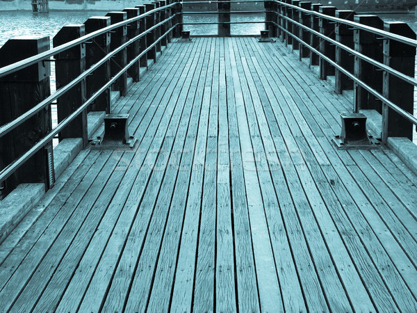Deck Pier Fluss Thames London cool Stock foto © claudiodivizia