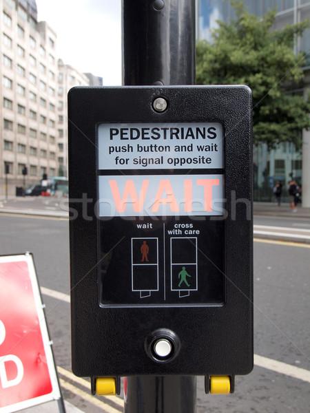 ストックフォト: にログイン · 歩行者 · キーを押します · ボタン · 信号