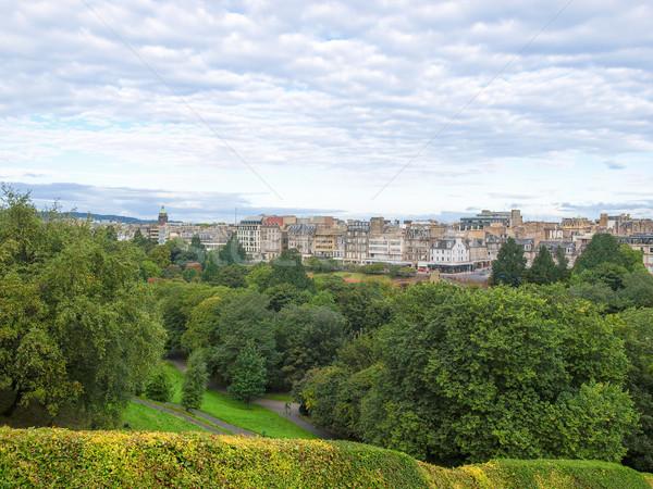 Edinburgh Skócia kilátás város sziluett panoráma Stock fotó © claudiodivizia