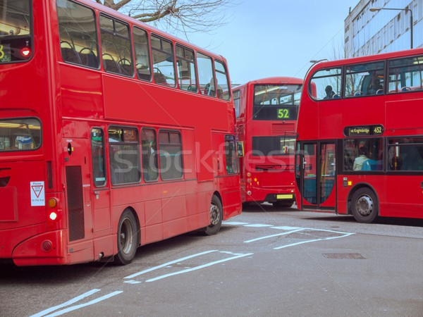 Vermelho dobrar ônibus Londres ocupado rua Foto stock © claudiodivizia
