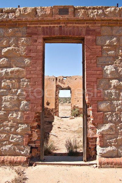 öreg romok kapualj épület ajtó sivatag Stock fotó © clearviewstock