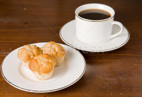 Kávé muffinok asztal muffin torták délutáni tea Stock fotó © clearviewstock