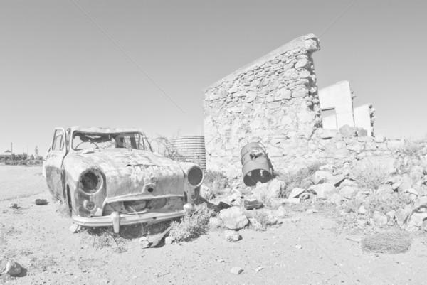 Oude auto woestijn groot afbeelding weg auto Stockfoto © clearviewstock