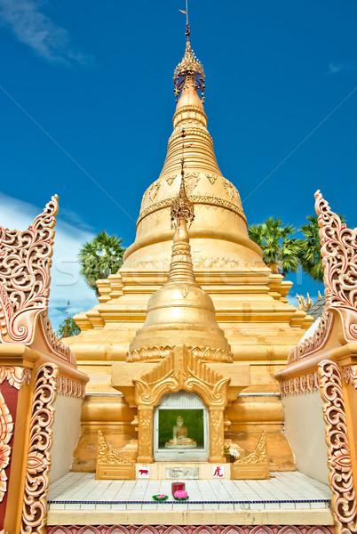 Arany buddhista templom szentély Stock fotó © clearviewstock