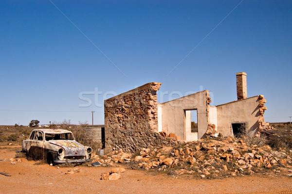 Stary samochód ruiny australijczyk pustyni zdjęcie cegieł Zdjęcia stock © clearviewstock